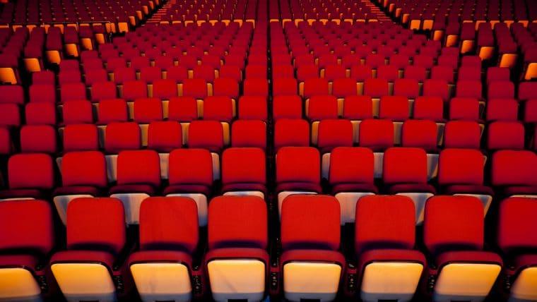 เผยตำแหน่งที่นั่งในโรงหนัง ที่ให้เสียงดีสุดคือจุดไหน ?