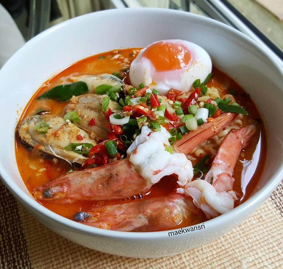 mama-tomyam-with-milk