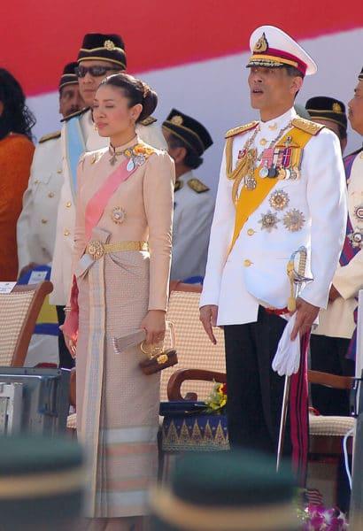 king-rama-10-thailand-history