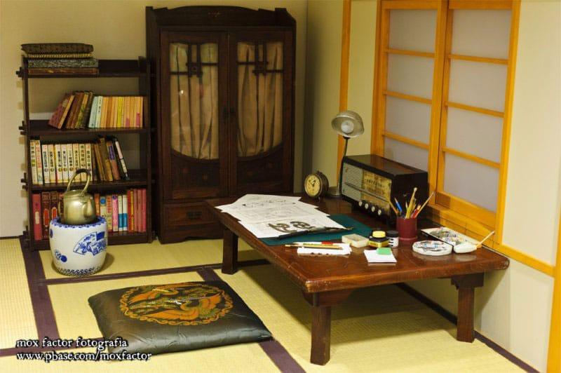 mangaka-desk-fujiko-a