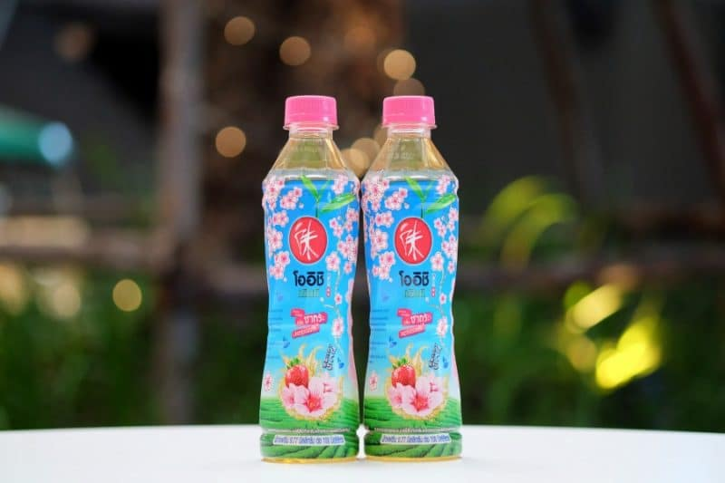 review-oishi-green-tea-sakura-strawberry-flavour-1
