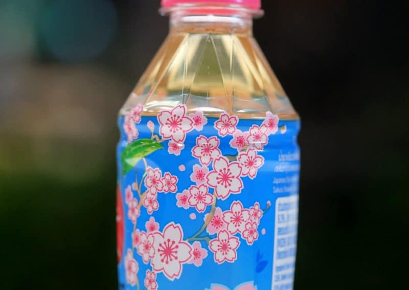 review-oishi-green-tea-sakura-strawberry-flavour-7