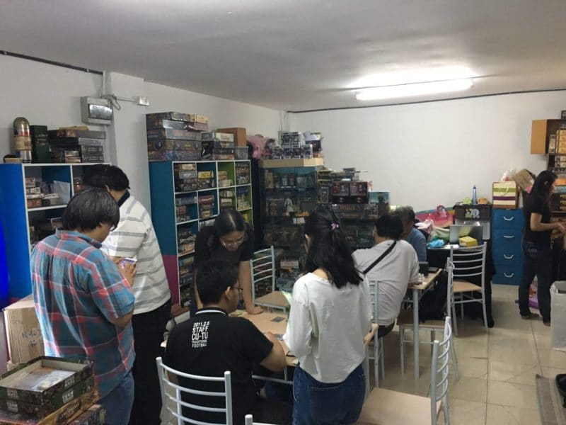 inner-circle-boardgame-cafe-1