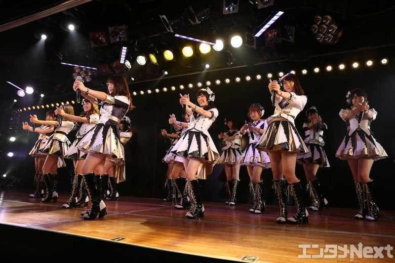 akb48 show in theatre