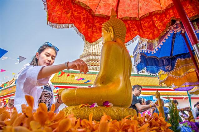 7-Songkran-festival-merit-making-for-good-fortune-4