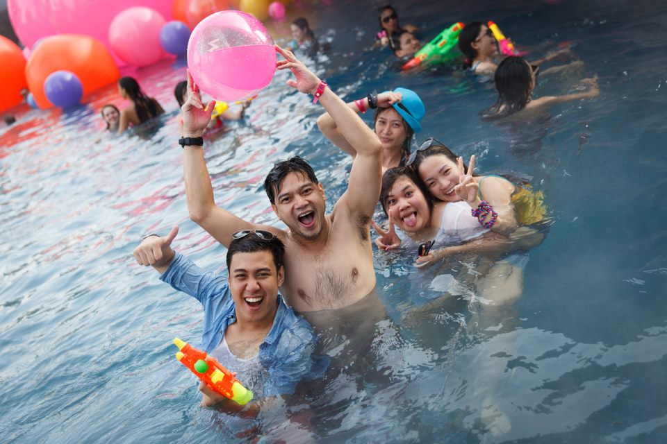 SONGKRAN-SPLASH-AWAY-POOL-PARTY