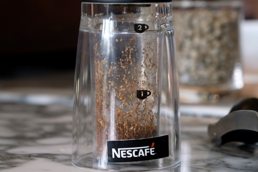 review-nescafe-red-cup-instant-coffee-mixed-with-finely-ground-roasted-coffee-12