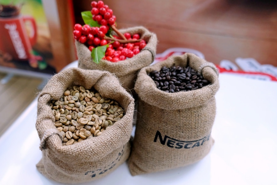review-nescafe-red-cup-instant-coffee-mixed-with-finely-ground-roasted-coffee-3