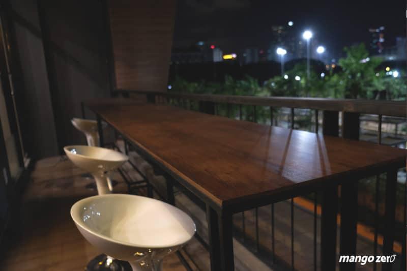 review-nexdots-cafe-bar-night