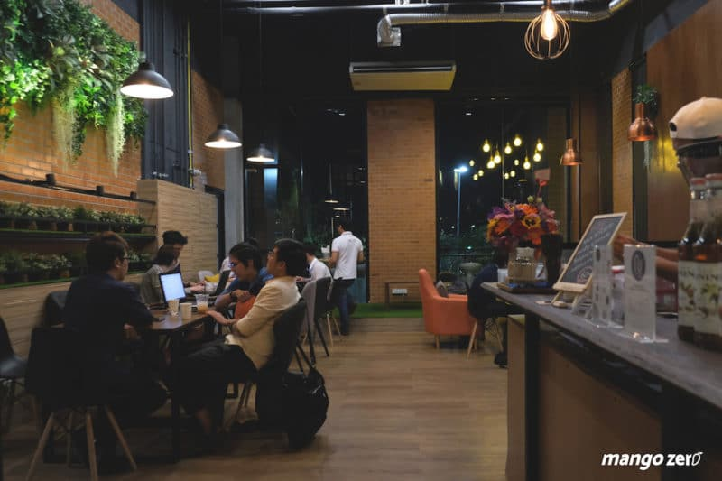 review-nexdots-cafe-inside-3