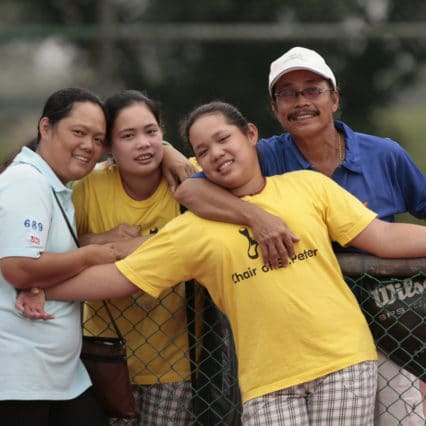 MAGAZINE DESK FEATURES PACKAGE GOLF ELEVEN-YEAR-OLD ARIYA JUTANUKARN OF THAILAND, Eleven-year-old Ariya Jutanukarn (C) poses with her family, mother Somboon, sister Moriya and father Narumon (L to R), in Bangkok, October 30, 2007. While other golfers land lucrative contacts for playing in big tournaments, Jutanukarn's reward for reaching her first LPGA Tour event was an ice cream covered in chocolate sauce. When Jutanukarn teed off at the recent Honda LPGA Thailand, she became the youngest golfer to compete in a major international tour event, men's or women's, beating American cover-girl Michelle Wie's record by five months. REUTERS/Sukree Sukplang (THAILAND)