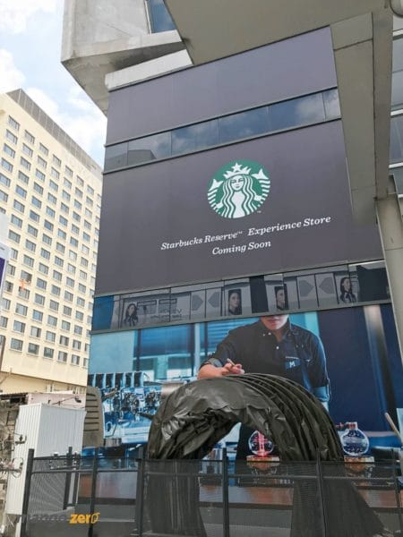 starbucks-biggest-thailand-siamone-1