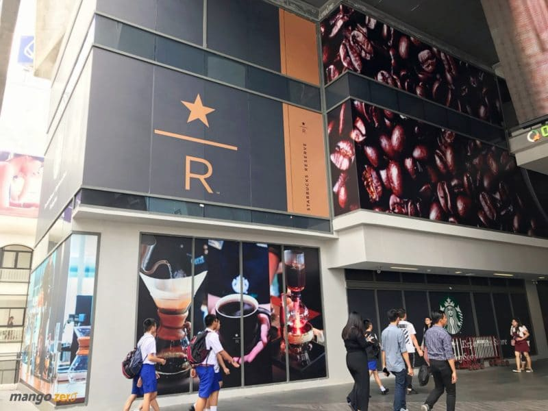 starbucks-biggest-thailand-siamone-2