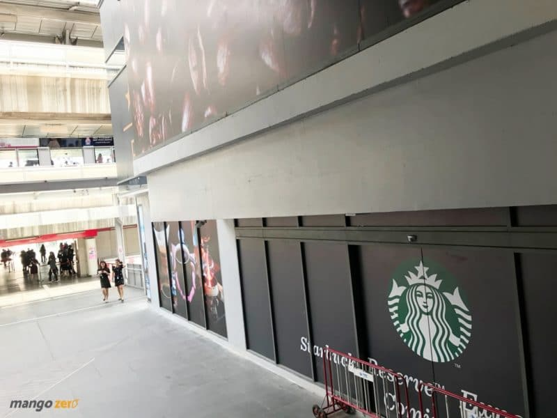 starbucks-biggest-thailand-siamone-3