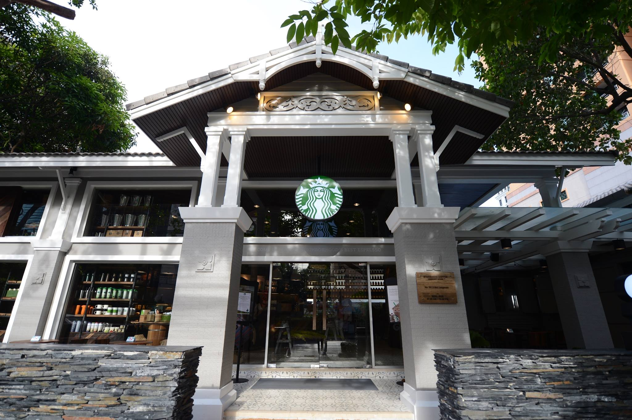10-most-beautiful-starbucks-in-thailand-15
