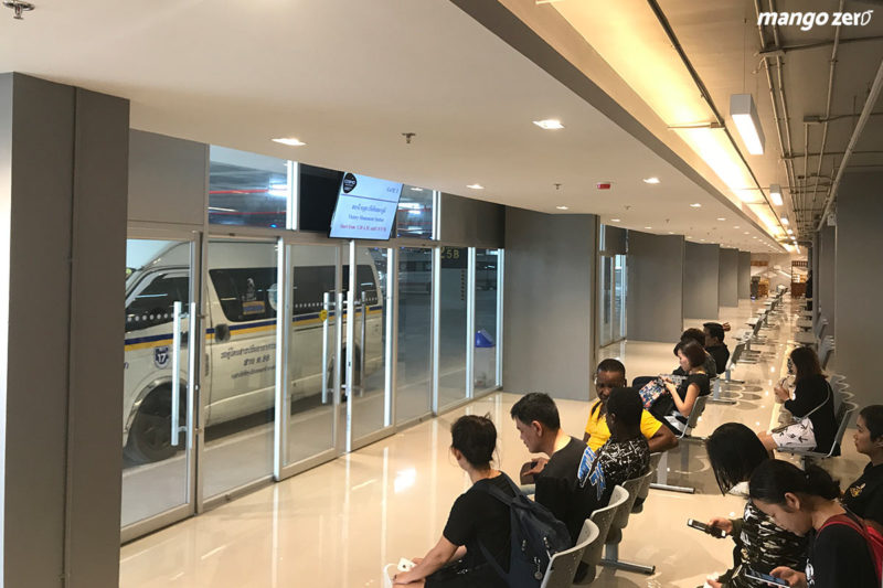 review-new-van-station-muangthong-thani-6