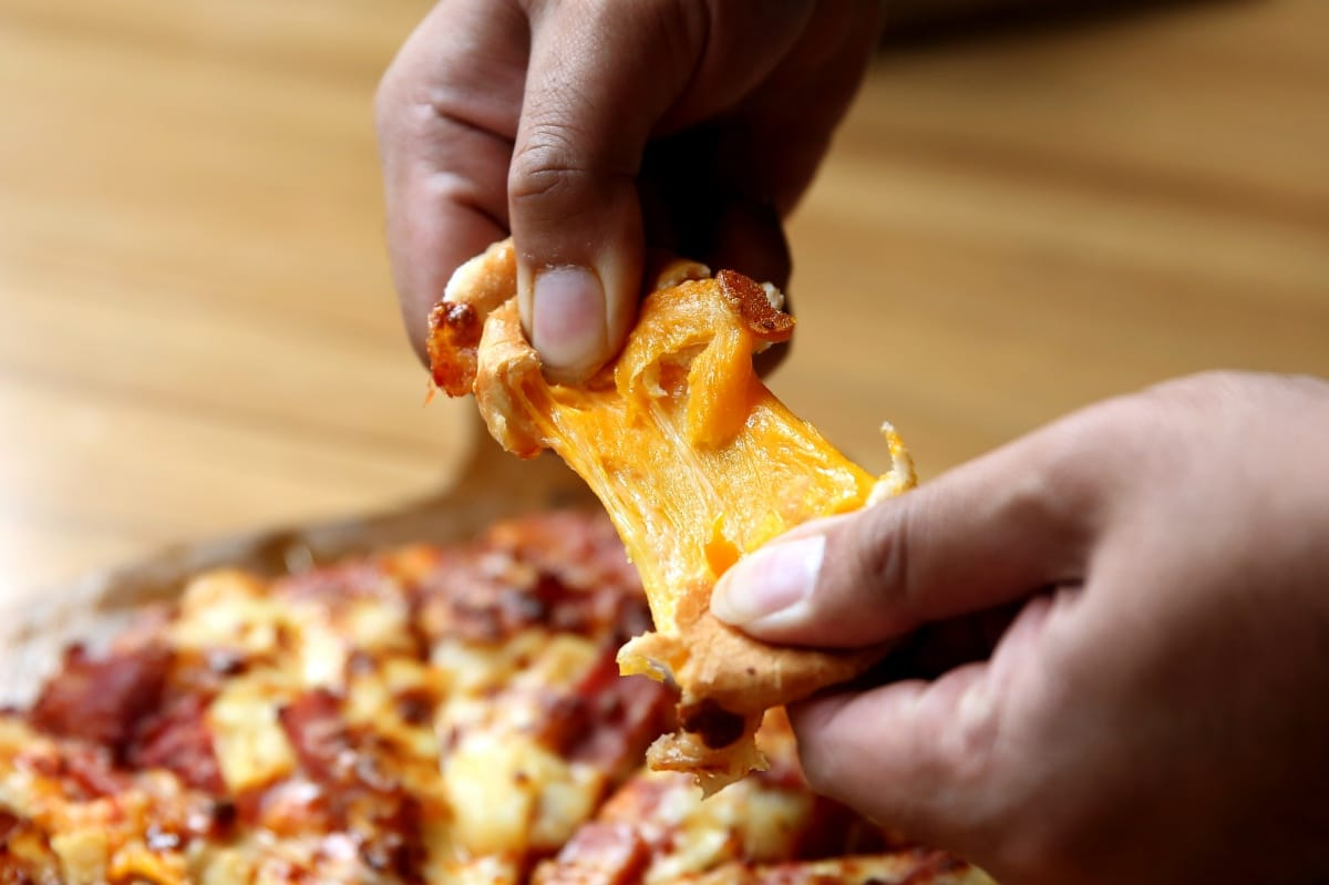 pizza-cheesy-lava-at-the-pizza-company-8