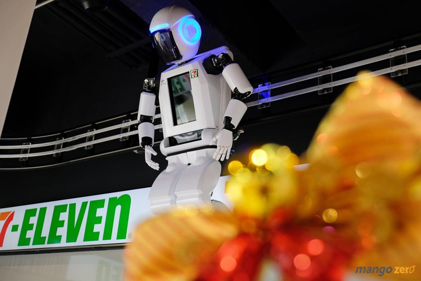 7-eleven-flagship-store-pim-24