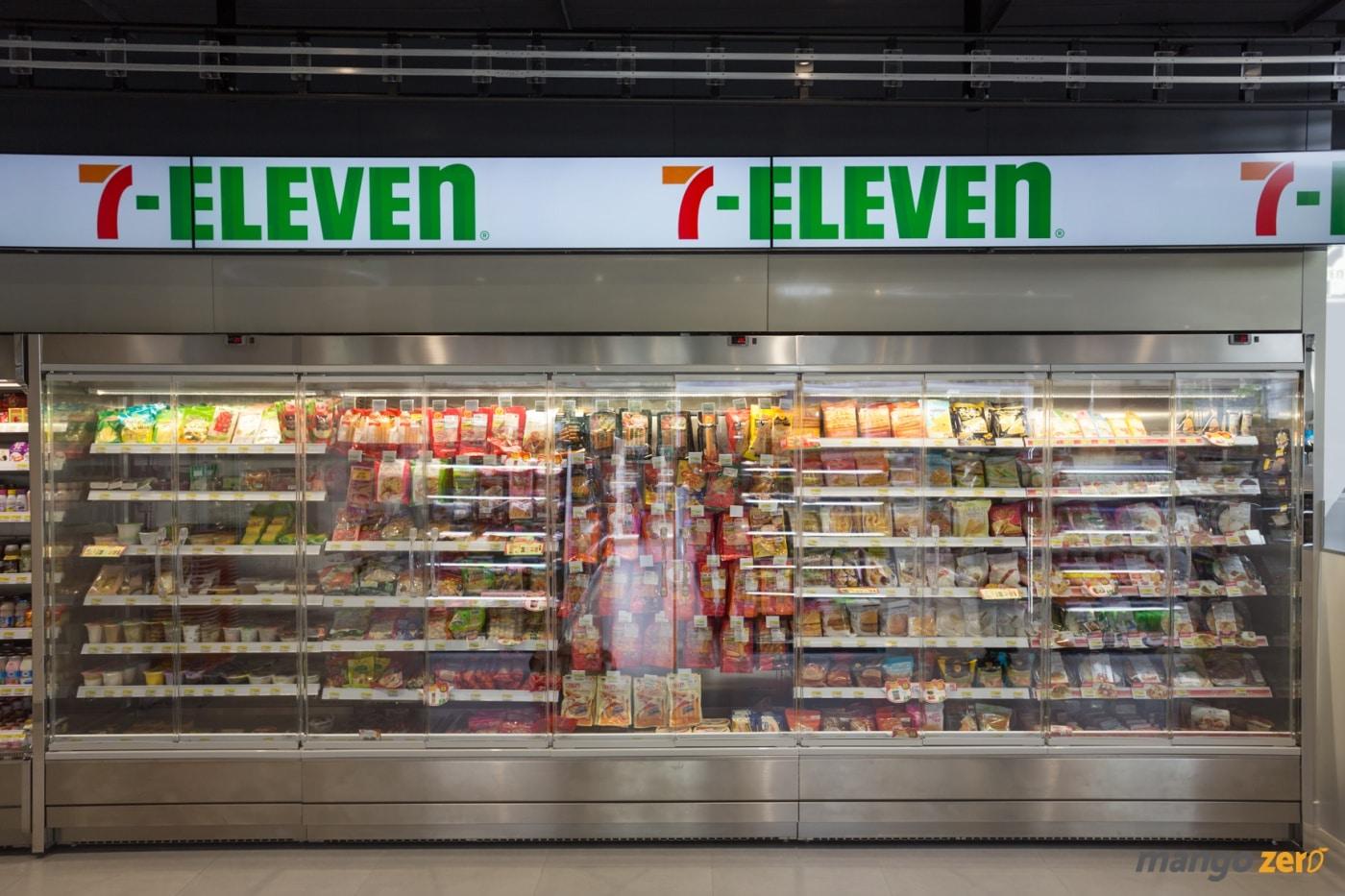 7-eleven-flagship-store-pim-60