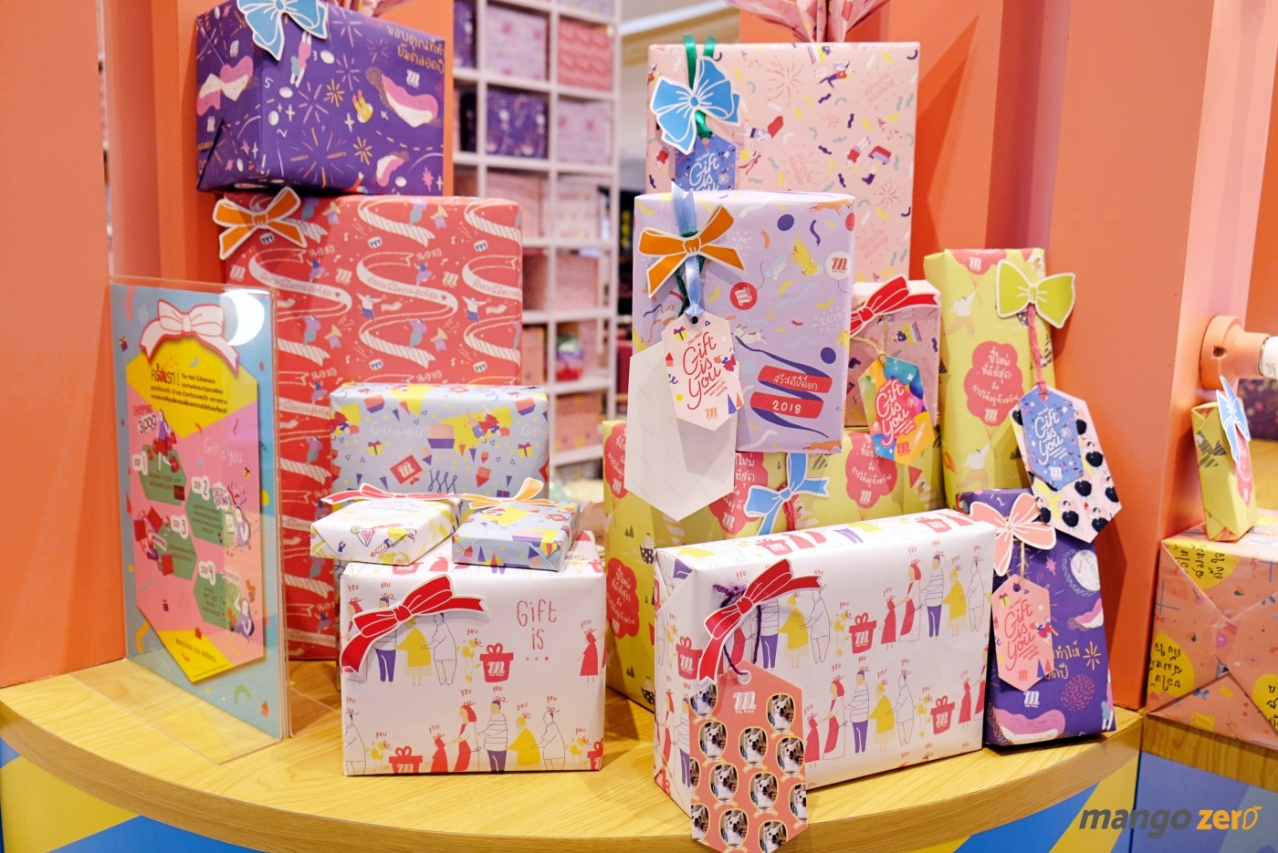 gift-wrapping-paragon-emporium-the-mall-11