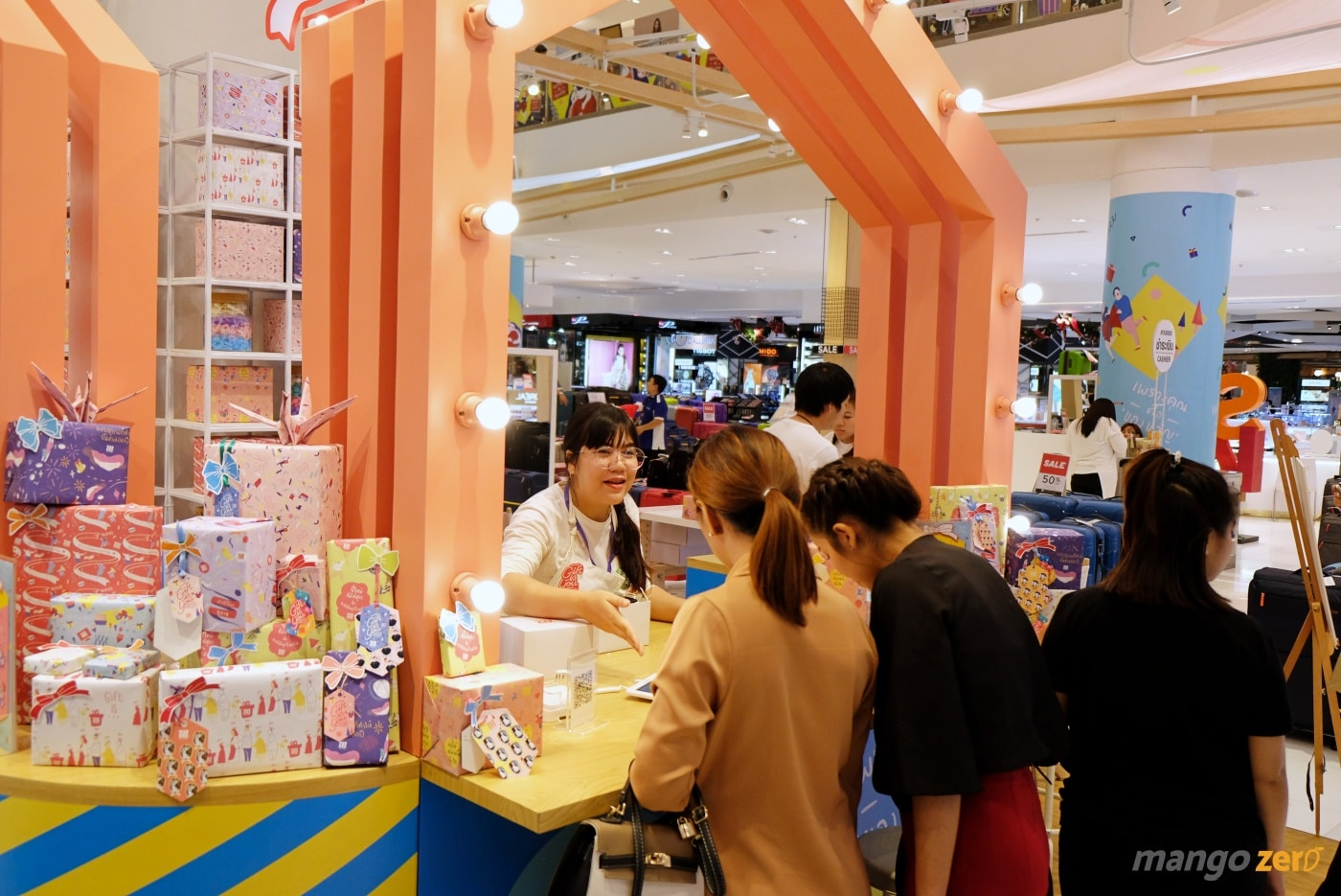 gift-wrapping-paragon-emporium-the-mall-33