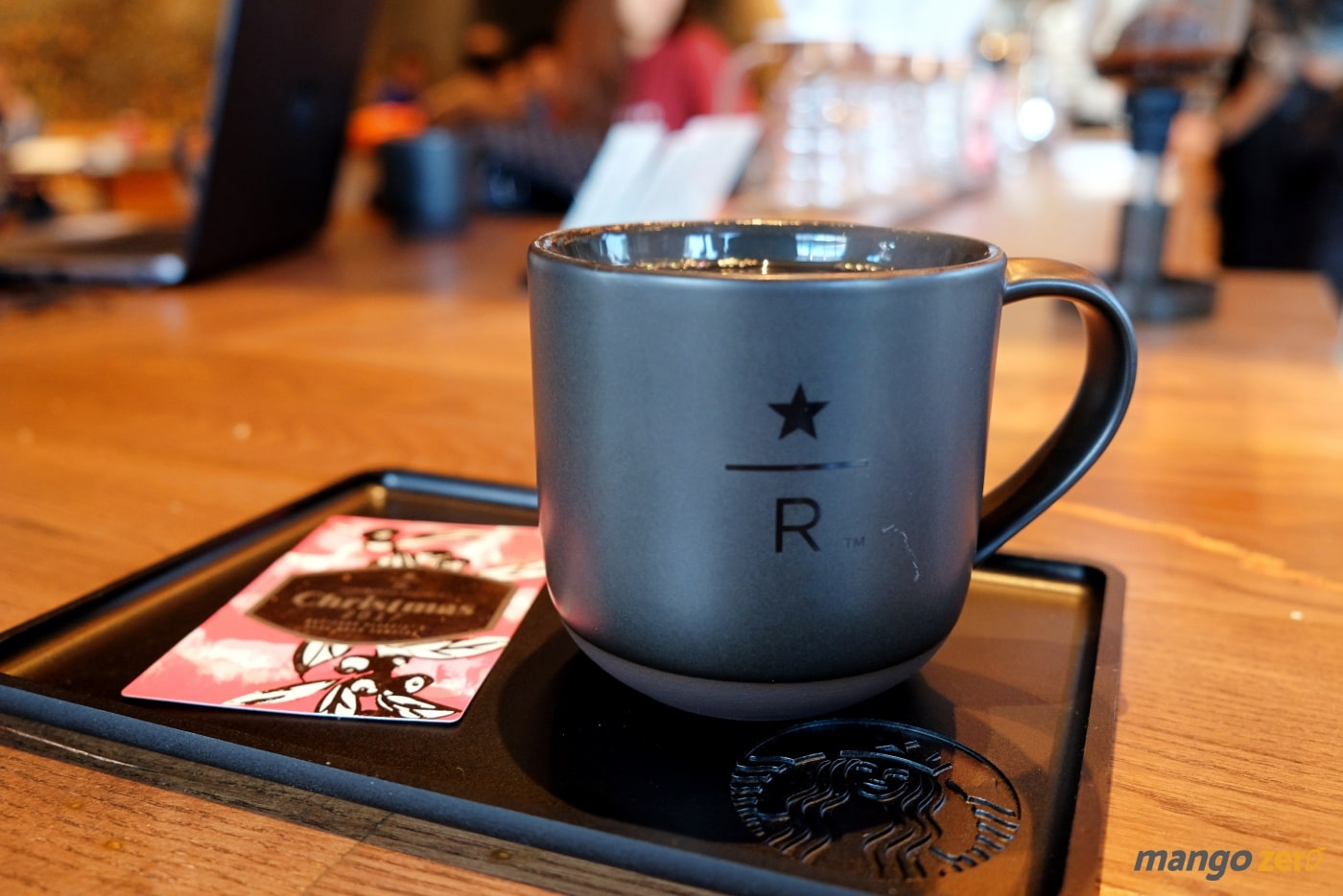 review-the-largest-starbucks-in-thailand-17