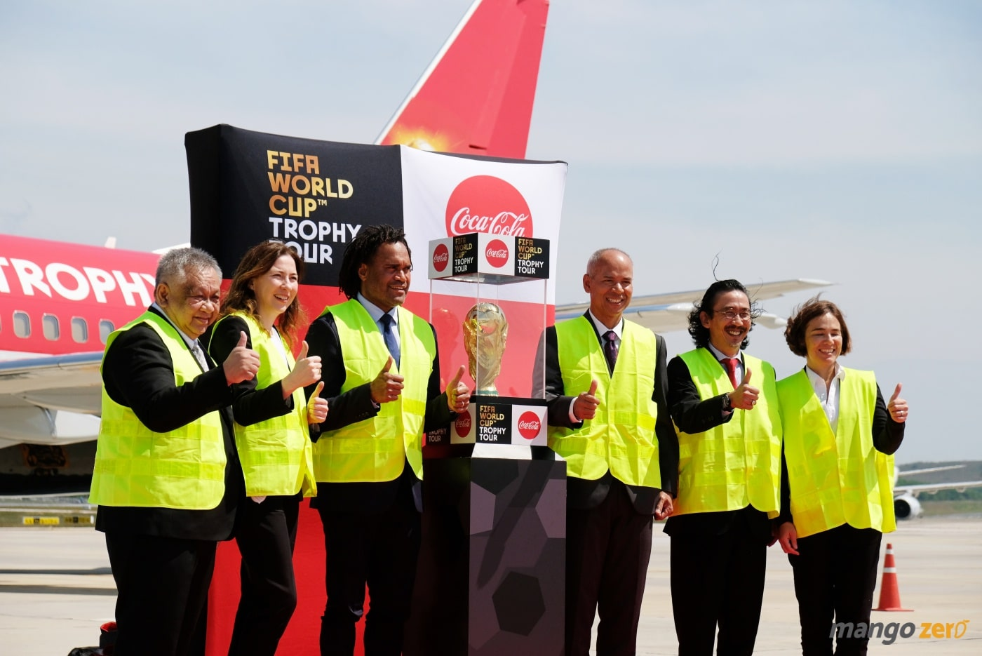2018-fifa-world-cup-trophy-tour-by-coca-cola-at-phuket-10
