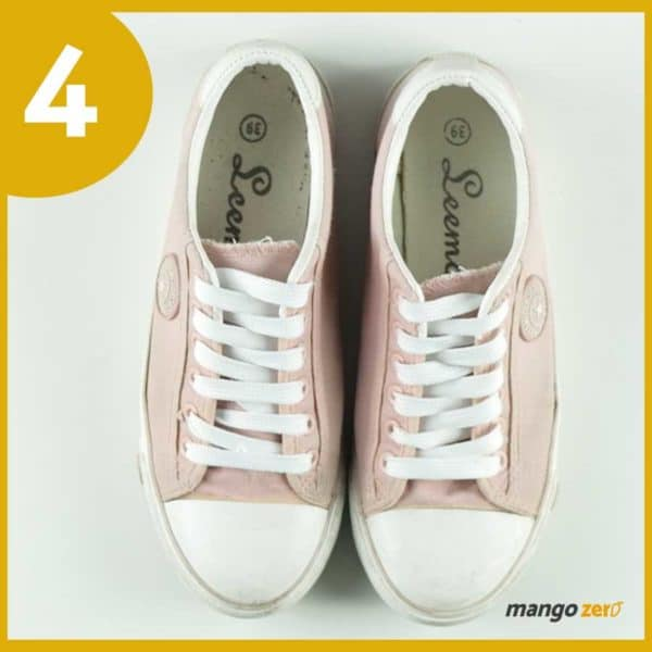 How-to-make-Three-Bows-lace-your-shoes-5 copy