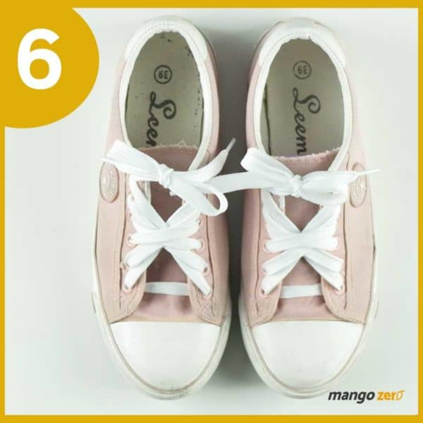 How-to-make-Three-Bows-lace-your-shoes-7