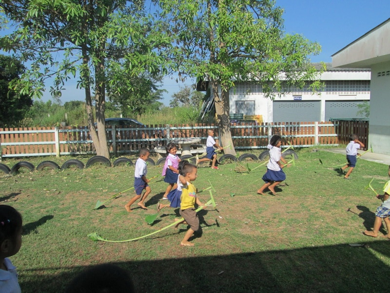 Traditional-Thai-Children-are-playing-Thai-game-2