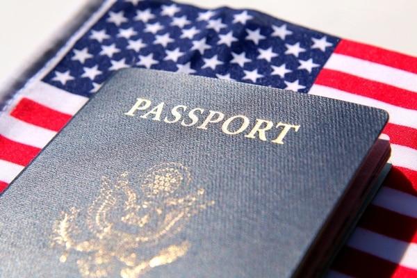 trump-administration-wants-visa-applicants-hand-social-media-1