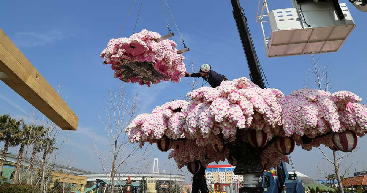 world-biggest-lego-cherry-blossom-tree-03